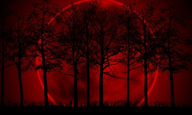 BloodRed_Moon-1000x600